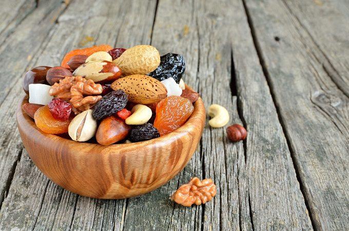 お菓子の食べすぎを防ぐ、おやつにおススメのドライフルーツやナッツ