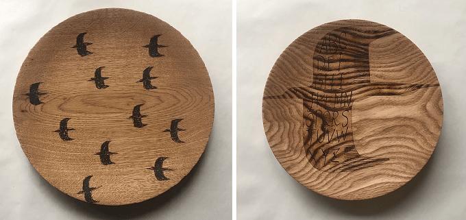 宮内知子さんの鳥のイラストの入った木皿2種類