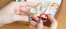 11色のベゼルリングが付け替えられる「SPICA」の腕時計