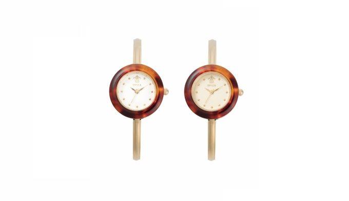 文字盤はホワイトとゴールドの2色展開の「SPICA」の腕時計