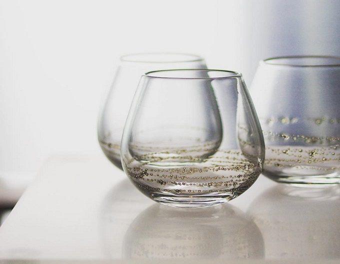 大人におすすめ、真鍮の模様が美しい「sun'oco glass (すのこグラス)」のガラスのコップ