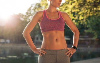腹斜筋を鍛えて、キュッとしまった美しいくびれを。1分で簡単に出来る「体側捻じり」