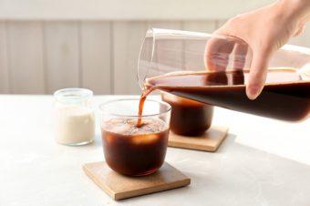 透き通ったコーヒー本来の味が楽しめる。冬はホットで味わいたい「COLD BREW」とは