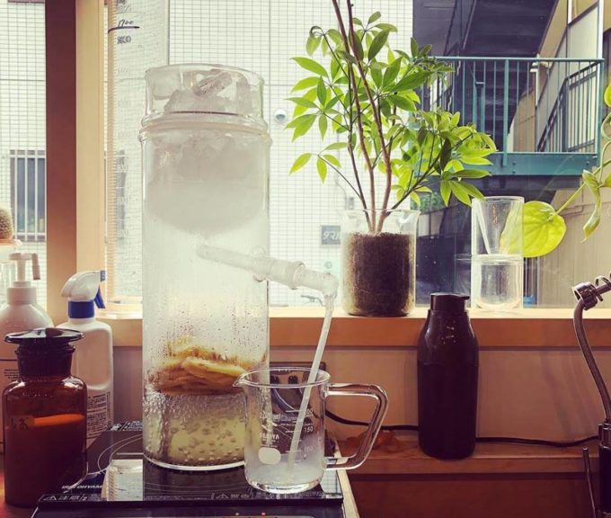 清澄白河「理科室蒸留所」の自宅でアロマウォーターが作れる専用蒸留器「リカロマ」