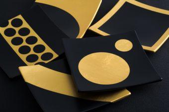 おもてなしに金箔を。テーブルがきらめく「箔座」の美しい金箔グッズ