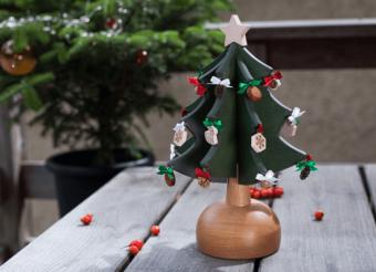 美しい音色にうっとり。「Oak Village」のオルゴールツリーで過ごす温かなクリスマス