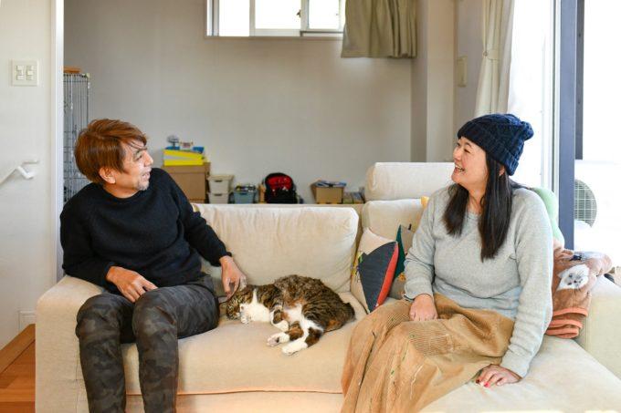 デザイナー&編集者・籾山ご夫妻と愛猫トラ