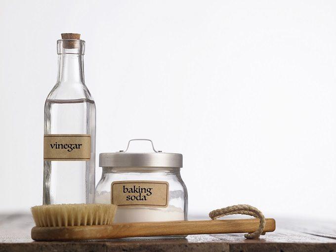 浴室の排水溝の掃除に役立つ重曹とお酢
