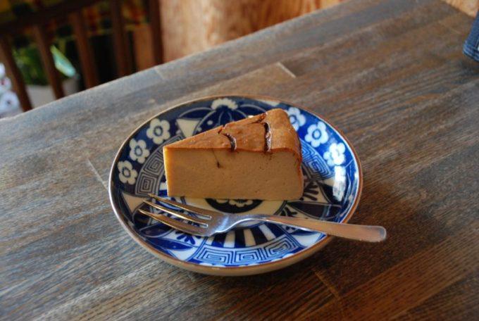 珈琲を切子のカップで味わえる「すみだ珈琲」のケーキ