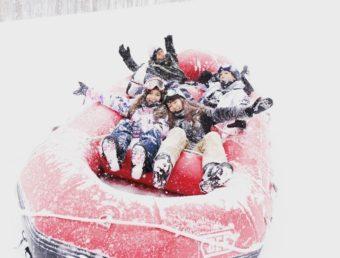 スキー・スノボだけじゃない。面白アクティビティ&ご当地ゲレ食が楽しめるスキー場<3選>