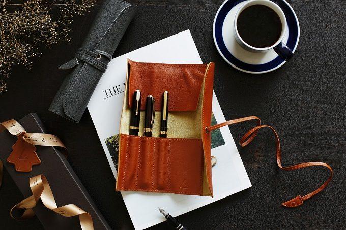 クリスマス限定の「土屋鞄製造所」の革のペンケース