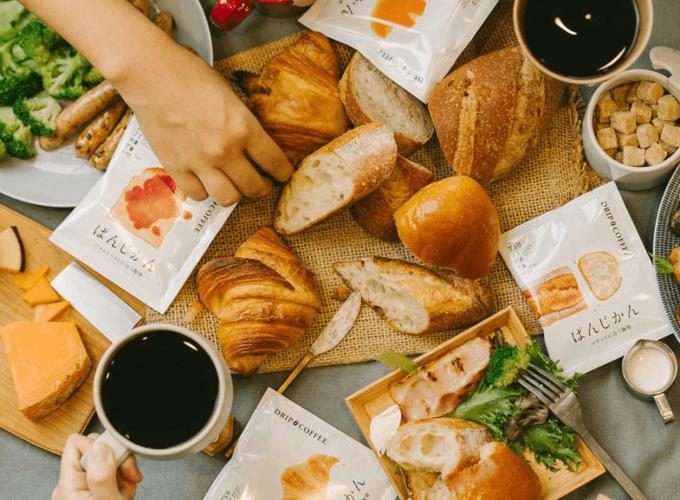 「辻本珈琲」のドリップバッグコーヒー「ぱんじかん」とパン