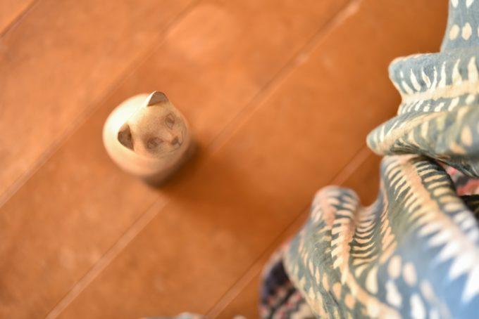 版画家・猫野ぺすかさんの手彫りの猫