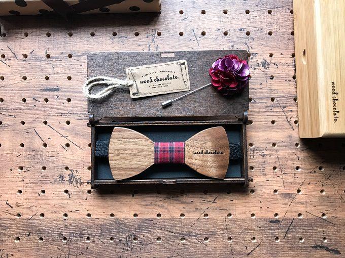 男性へのギフトにおすすめの「wood chocolate」の木の蝶ネクタイ2