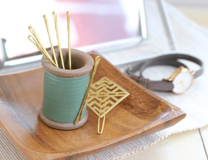 「Cohana(コハナ)」の糸巻き型の小物入れ