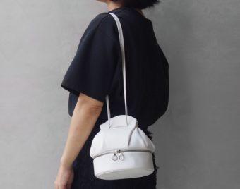 一癖あるデザインや質感が装いのアクセントに。「COOPSTAND」の大人バッグ特集