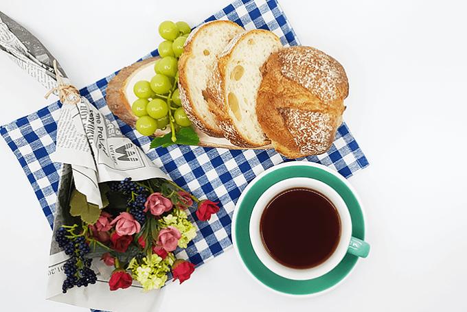 「Cottea(コッティ)」のコーヒーとパン