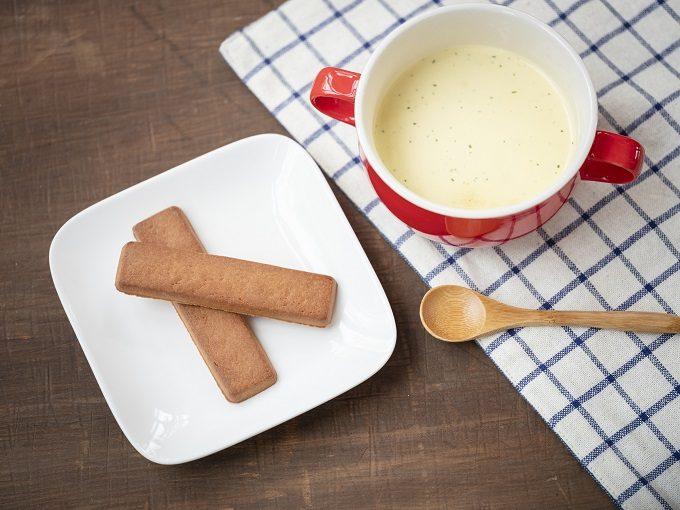 低糖質で栄養成分たっぷりのクッキーバー「Dieta Pane」とスープ