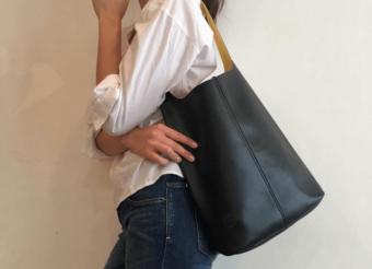 革に見えて、革じゃない。毎日持ち歩きたい「made on earth」の超軽量バッグ