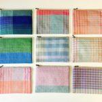 いくつもの色に目を奪われる。「nagamori chika」の手織...
