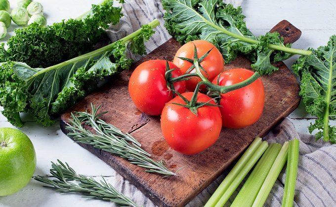 ツヤのあるトマト