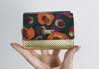 これって本当に革ですか?色鮮やかに施されたペイントが注目を集める「OMNES」の革財布