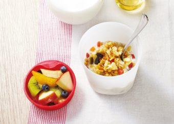 フルーツを入れてもグラノーラはサクサク。ランチ用に持ち運べる「フルグラ® ランチカップ」