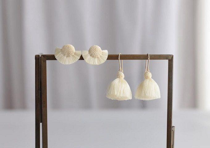 「Littlemiss(リトルミス)」のかぎ針編みでできたシンプルで上品なピアス