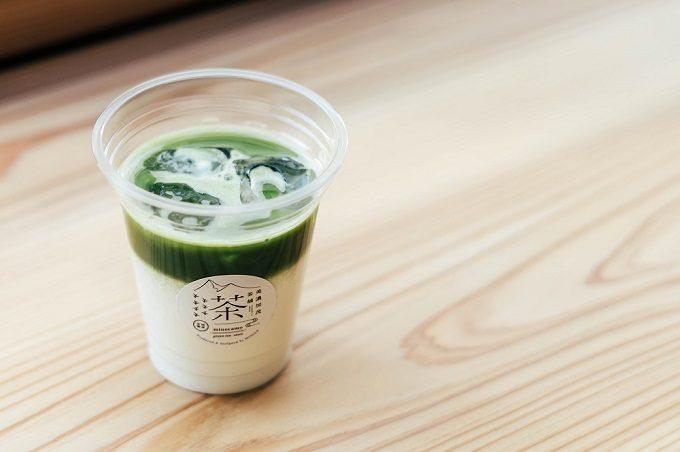 日本茶スタンド「美濃加茂茶舗」のおすすめドリンク、ラテ