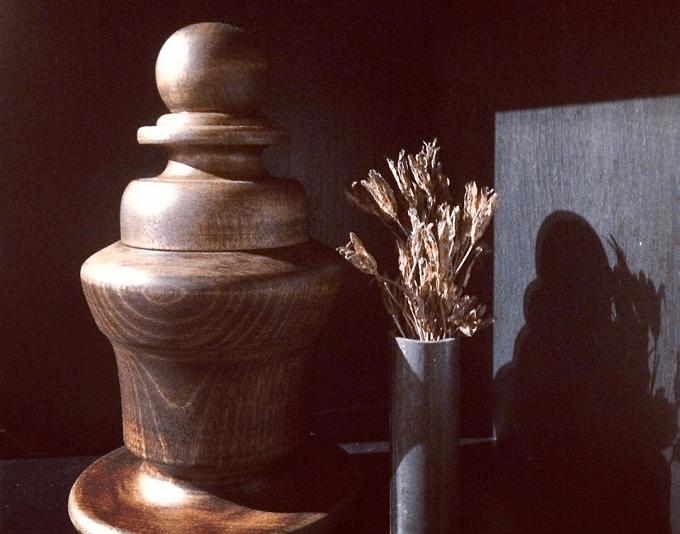 喫茶室「レガロビズ」の「漆器のキャディストッカー」