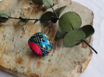 美しい模様に目を奪われる。「thread jewelry Ricca」の加賀ゆびぬきリング