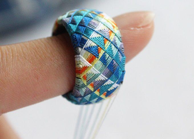 色鮮やかな「thread jewelry Ricca(スレッドジュエリーリッカ)」の加賀ゆびぬきリングの制作工程