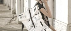 絵をそのままバッグにしたような「Stiglo」のデザインバッグ