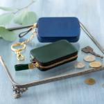 なめらかな手ざわりと美しい色が魅力。シンプルで上品な「TAM」のミニ財布