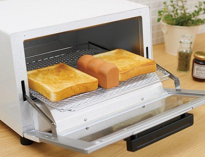 「トーストスチーマー」を使ってパンを焼いている様子2
