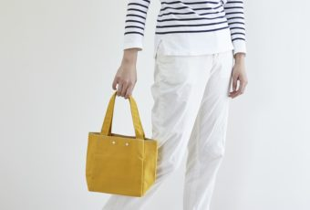 目を引くカラーで春の装いのポイントに。こだわりの生地を使った「JOBU」の倉敷帆布バッグ