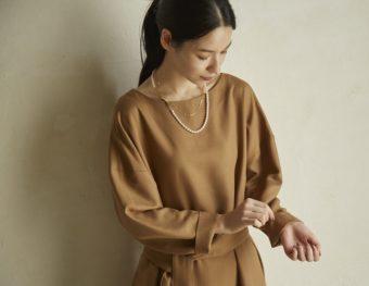 働く女性に快適で自由な時間を。お手入れ簡単で、スタイル良く見える「Kilka」の服