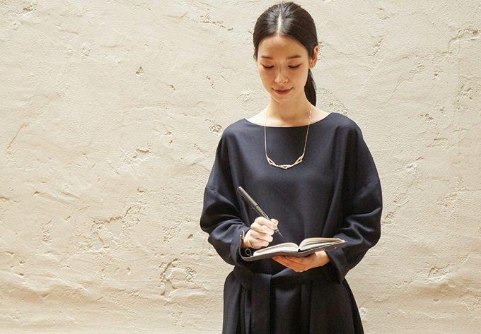 働く女性におすすめの「Kilka」の服、ワンピース、黒