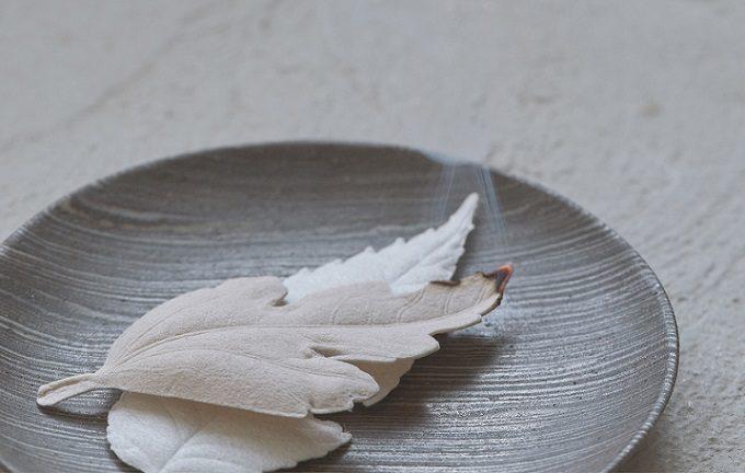 和紙で作られた葉っぱの形のお香「HA KO」3