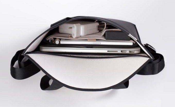 ノートパソコンの持ち歩きにおすすめのバックパック「LIO」の中