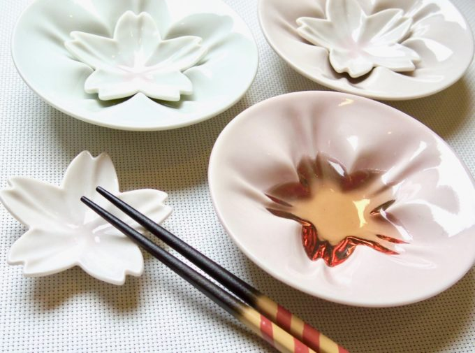 「能加万菜 THE SHOP 東山」おすすめの春アイテム、九谷焼の小皿