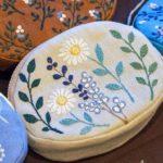 足踏みミシンで生み出される繊細な刺繍。春を感じる「nui...