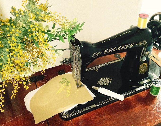 「nui+(ヌイ)」の足踏みミシン刺繍の制作工程1