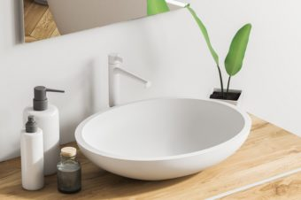 洗面所やお風呂にカビを寄せ付けない。簡単にできて続けられる掃除方法