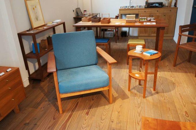 清澄白河のオーダー家具のショールーム「アオゾラカグシキ會社」の椅子