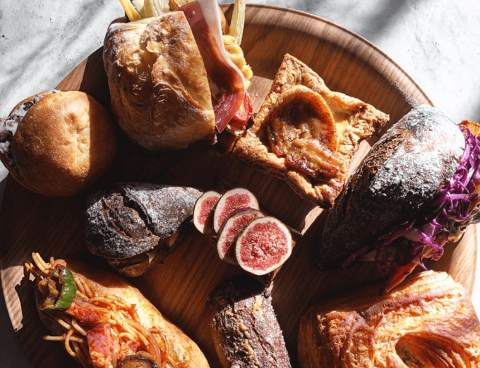 福岡県福岡市にあるパン屋さん「amam dacotan(アマム ダコタン)」のお惣菜パン