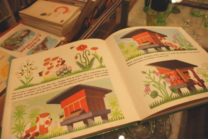 浅草にあるチェコの絵本・雑貨の店「チェドックザッカストア」の商品
