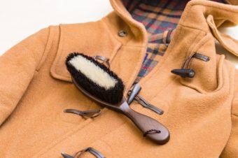大切なコートを長く着るために。東急ハンズの店主に聞く、衣替え時のお手入れ&収納方法
