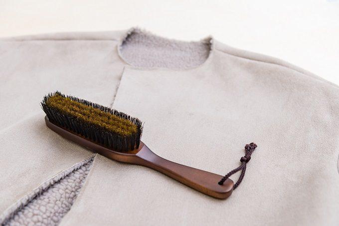 コートのお手入れにおすすめの洋服用ブラシ