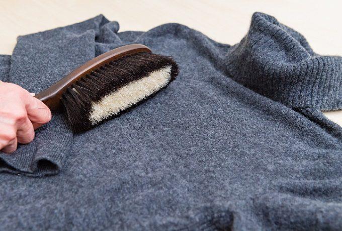 ニットのお手入れにおすすめの「東急ハンズオリジナル 万能洋服ブラシ」